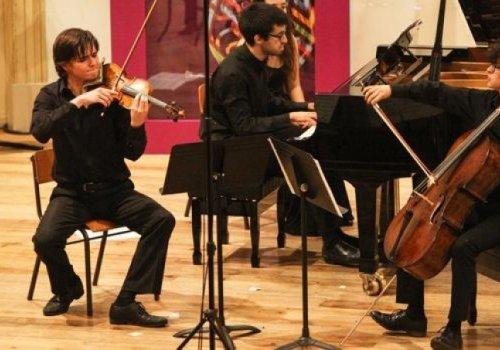 Trio Adamastor - Francisco Henriques, Pedro Massarrão e José Pedro Ribeiro - obtém 1.º Prémio no PJM 2017